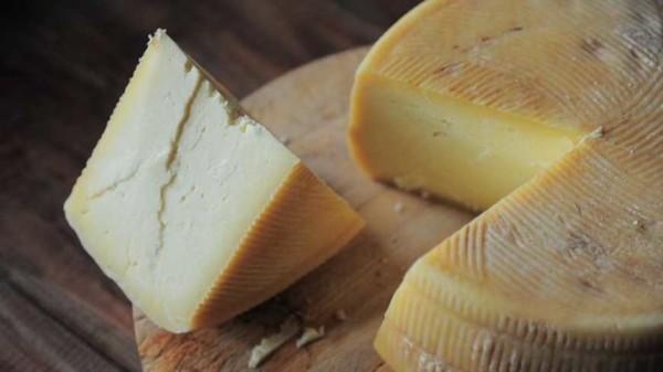 На Черкащині виготовляють елітні крафтові сири