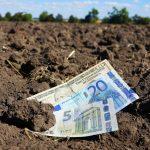 Переважна більшість українців проти купівлі землі сільгосппризначення