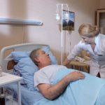 Від Зеленського і Шмигаля вимагають забезпечити соціальні та економічні гарантії медикам